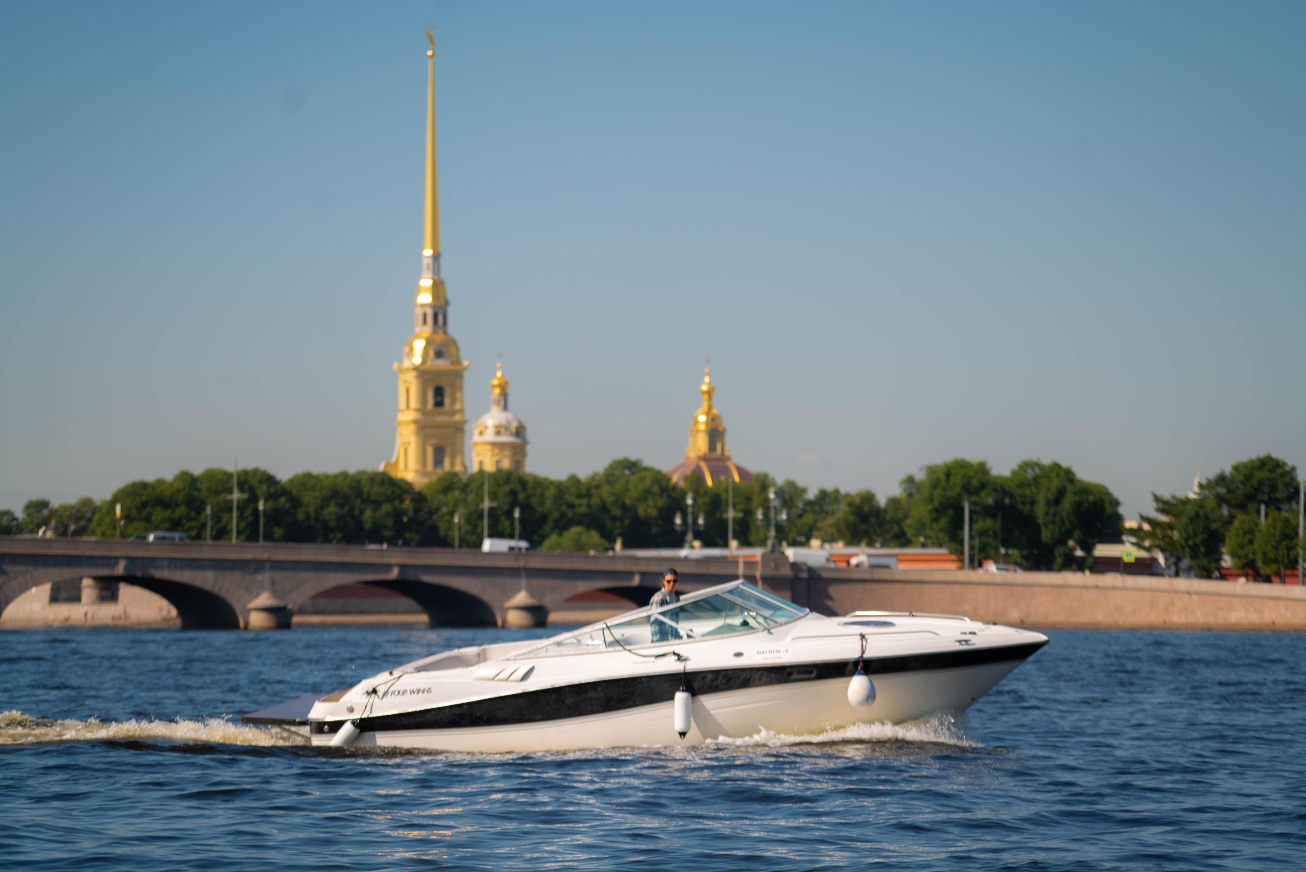 Отправляйся в путешествие в Санкт-Петербург